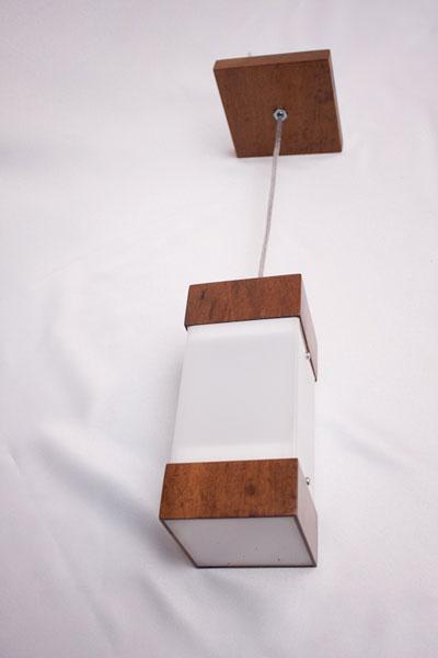 Luminária em madeira - Phanda